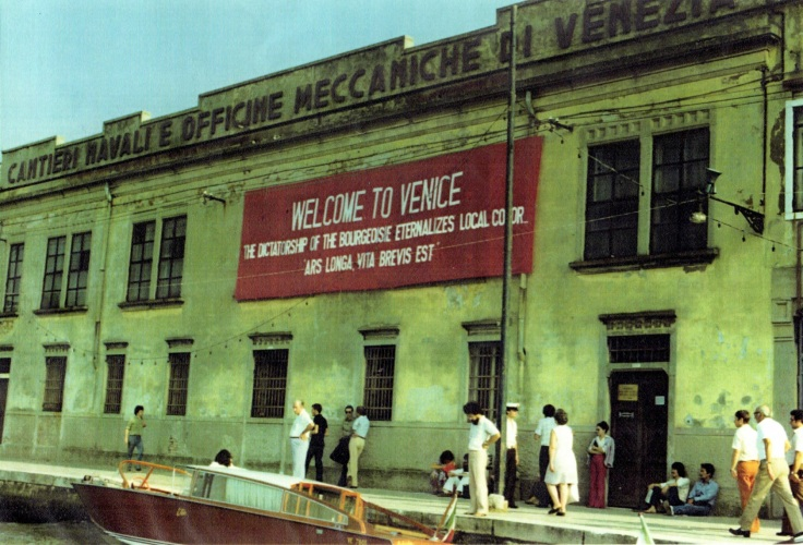 (P)A&L_VENICE BIENALE_1976_ILLEGALLY INSTALLED BANNER
